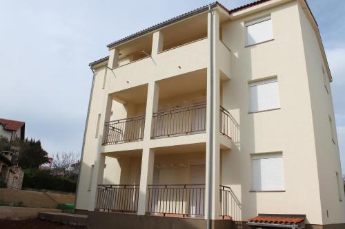 Apartments Mamia