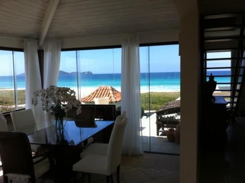 Casa Pé na Areia Cabo Frio