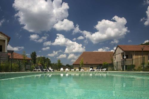 The swimming pool at or near Vacancéole - Résidence Le Clos du Rocher