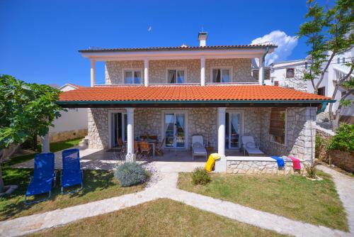 Holiday Home Fiola