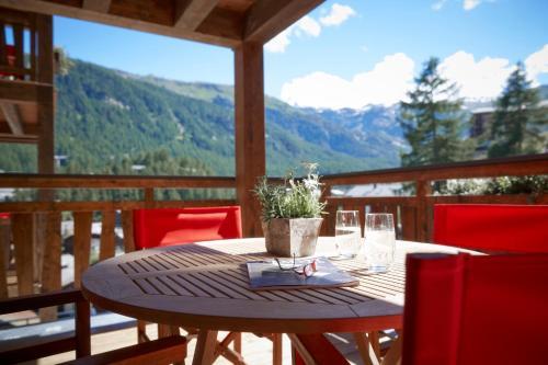 La Vue Luxury Living Apartments