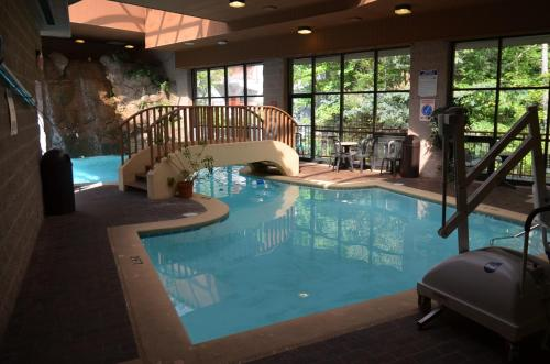 Zoders Inn and Suites