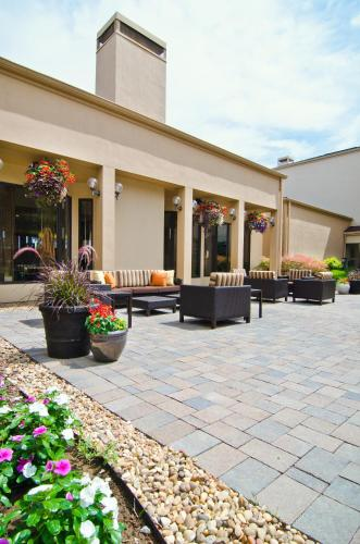 Courtyard St. Louis Westport Plaza
