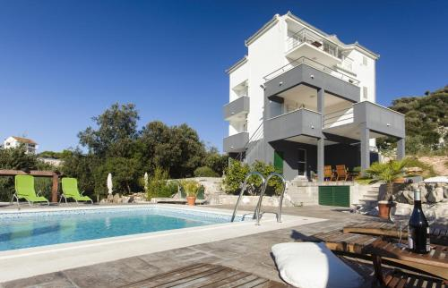 Cipra Apartments