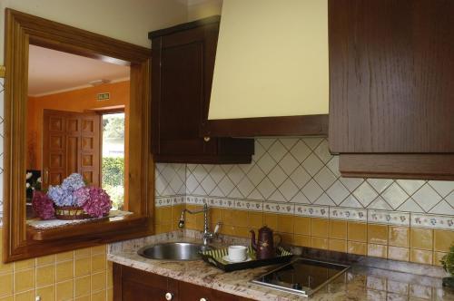 Virtuve vai virtuves aprīkojums naktsmītnē Les Piperes