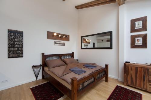 Ein Bett oder Betten in einem Zimmer der Unterkunft Apartment Soukenicka