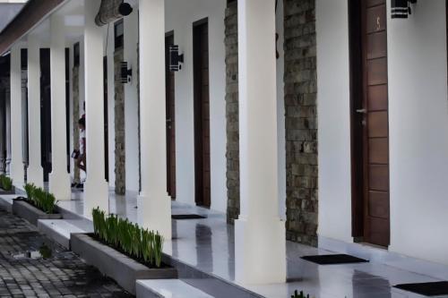 Minabi Guest House