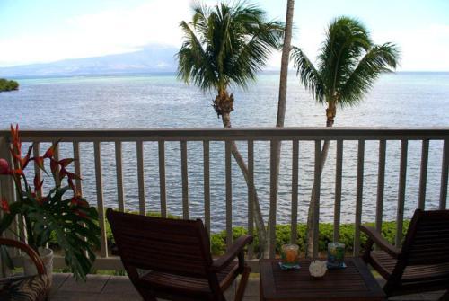 ウェイブクレスト リゾート アパートメント#A-303 オン モロカイ イン ハワイ