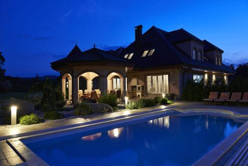 Nobless Resort