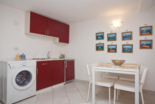 A kitchen or kitchenette at Holiday Home Rovinj Savicenti