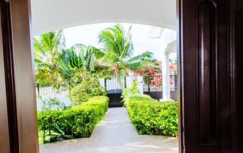 Playa Laguna Beach Villa