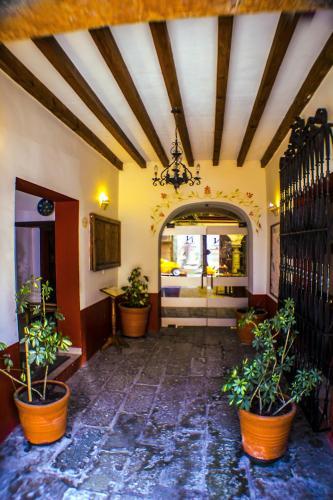 The lobby or reception area at Parador San Agustin