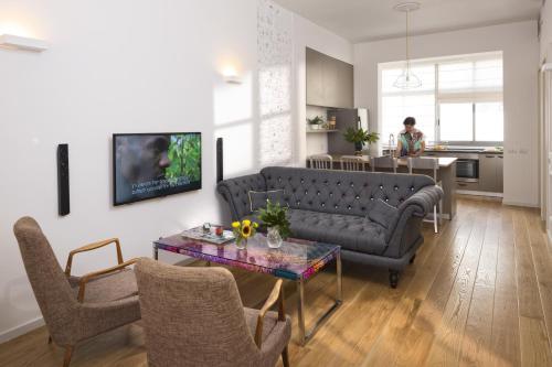 Ben U Apartments