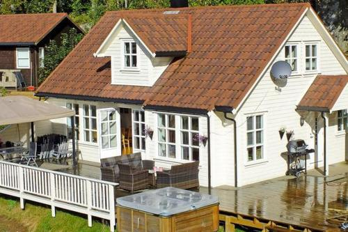 Four-Bedroom Holiday home in Farsund 1