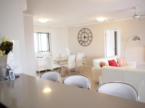A seating area at Edge Apartments Cairns