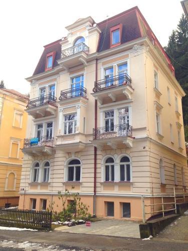 Apartments Ferseni