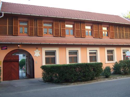 Tímárház Panzió