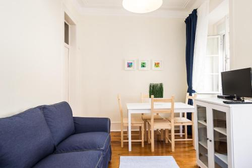 A seating area at ShortStayFlat Lisbon Soul