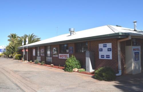 Roundhouse Motel