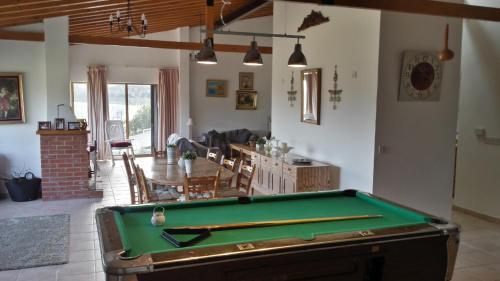 Villa in Moniatis