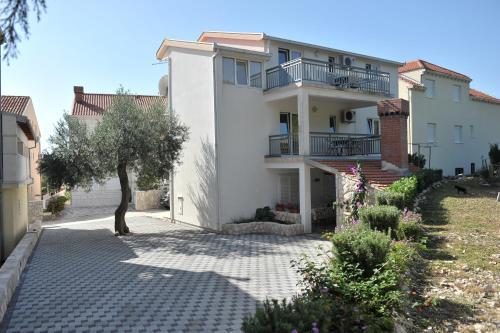 Apartments Sutalo