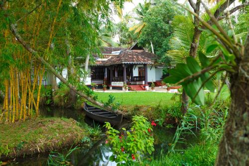 Vembanad House Boutique Back Water Homestay