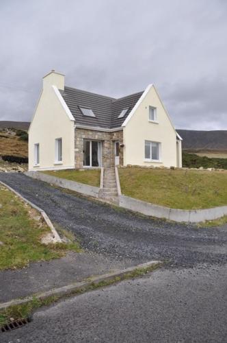 9 Corrymore Village