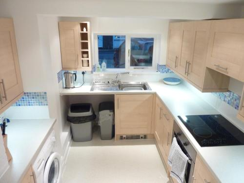 A kitchen or kitchenette at Canterbury City - Apartment no.2