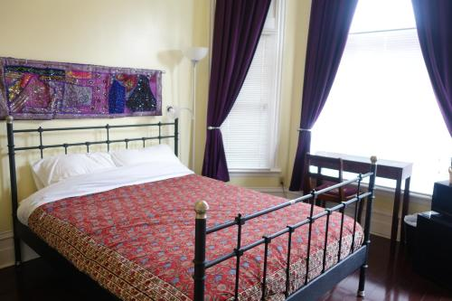Spadina 11 Guesthouse