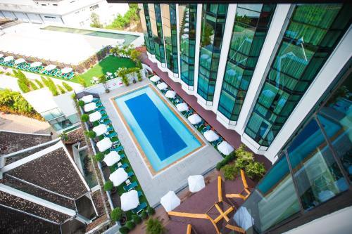 더 엠프레스 호텔