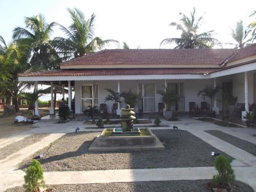 Elesha Lagoon Resort