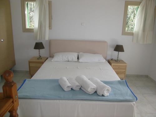 Eleonas Holiday Houses - Gialova Greece