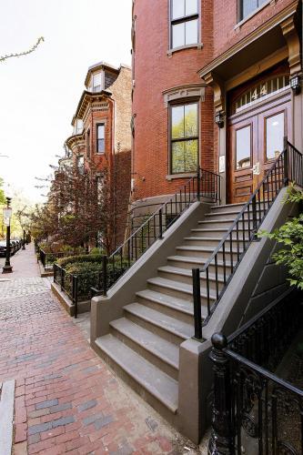 Concord Square by Short Term Rentals Boston