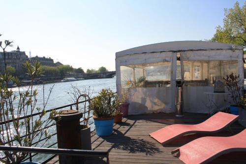 Houseboat Champs Elysees