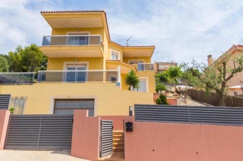 New Villa Costa dorada