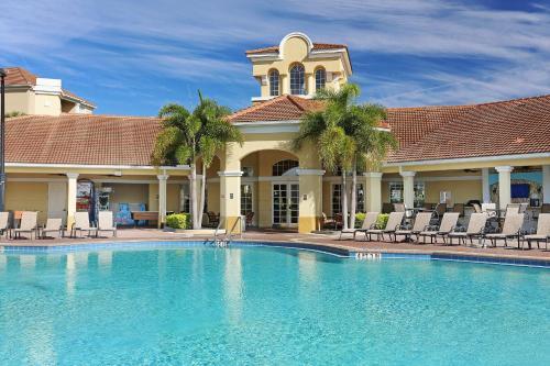 Vista Cay Resort by Millenium at Universal Blvd.