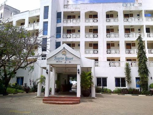 Sunrise Apartment Resort & Spa