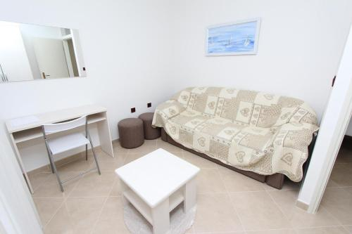 A seating area at Apartments Luna
