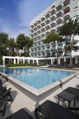 International Beach Hotel