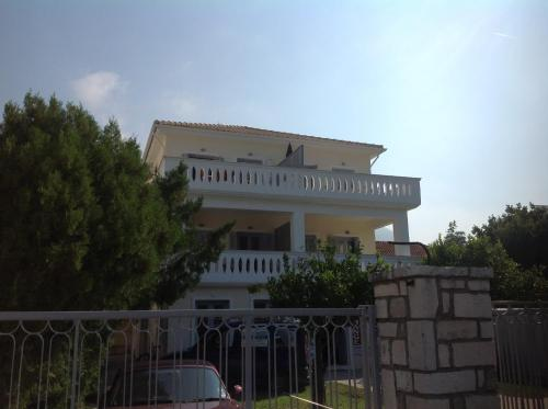 Bakagiannis Apartments 2