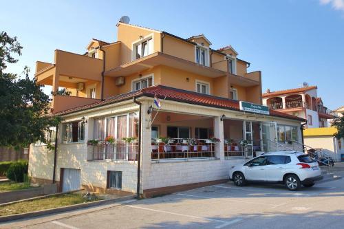 Guest Accommodation Slapovi Krke