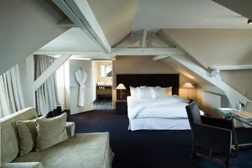 Pol Hotel