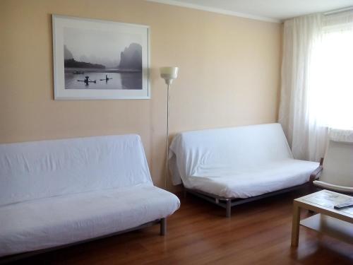 A seating area at Apartment Allinrent Voykovskaya