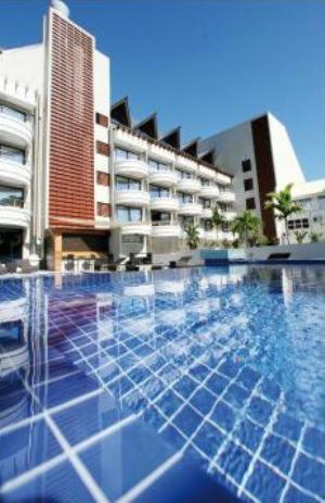 Het zwembad bij of vlak bij Hotel Tahiti Nui