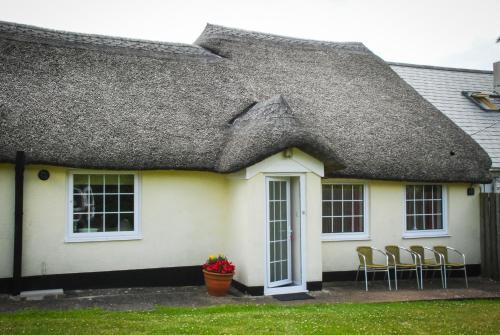 Oakdown Country Holiday Cottage