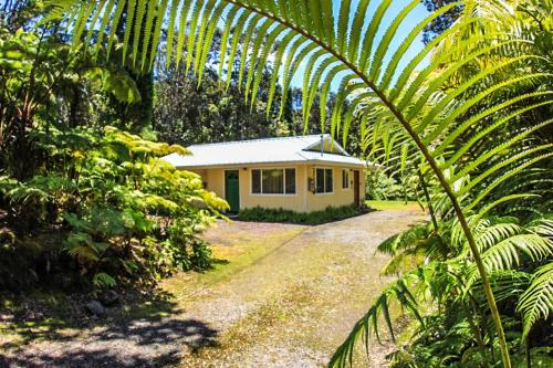 Cymbidium Cottage by Hawaii Volcano Vacations