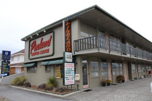 Pineland Motor Lodge