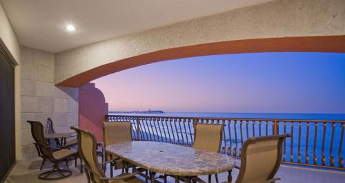 Two-Bedroom Apartment at Puerto Penasco SW 1002