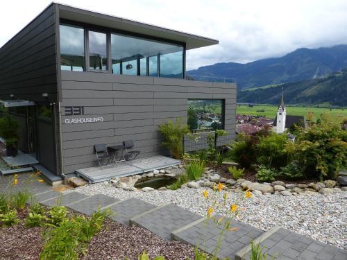 Glas House - Design Holiday Home