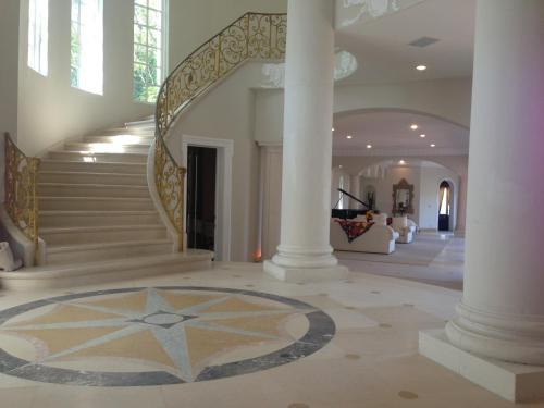 Stradella Court Mansion
